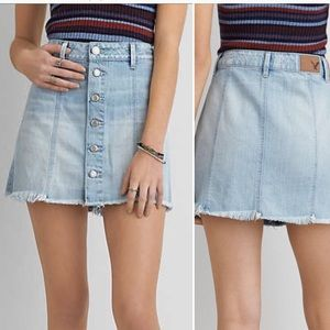 American Eagle Light Denim Front Button Skirt 12
